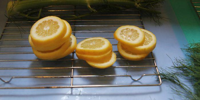 Mẹo làm bếp nướng cá không bị dính vỉ