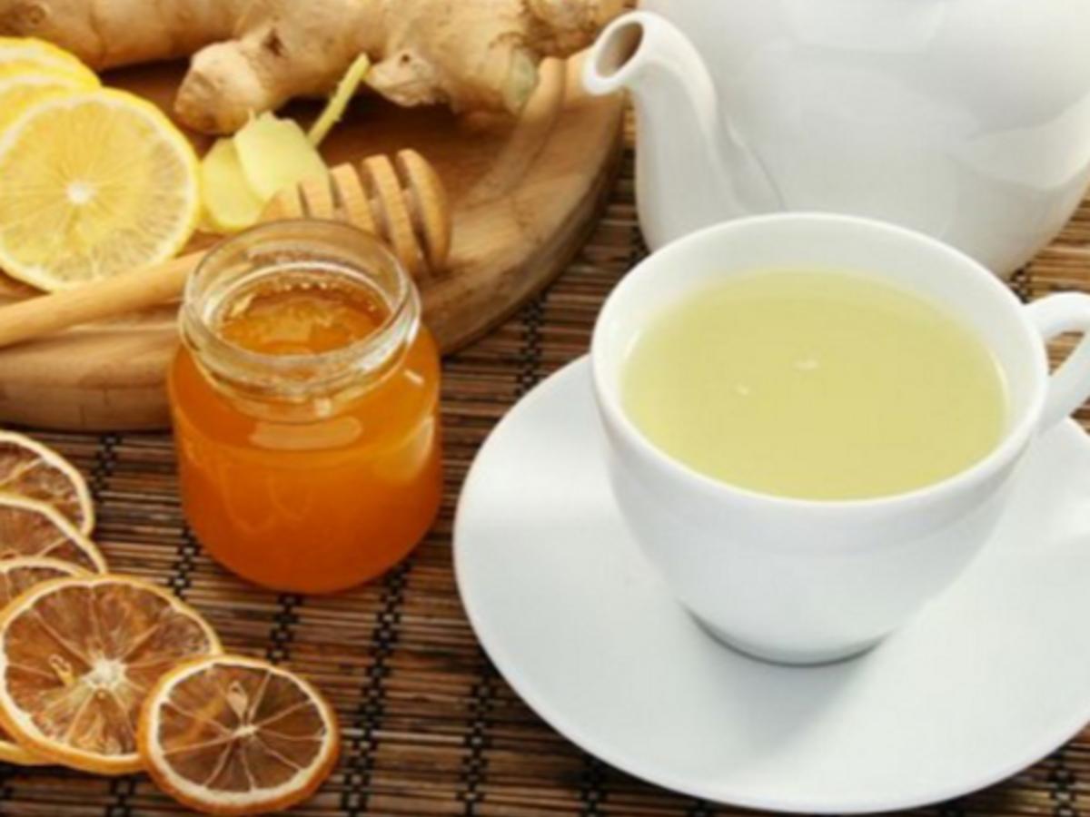 Pha trà gừng mật ong